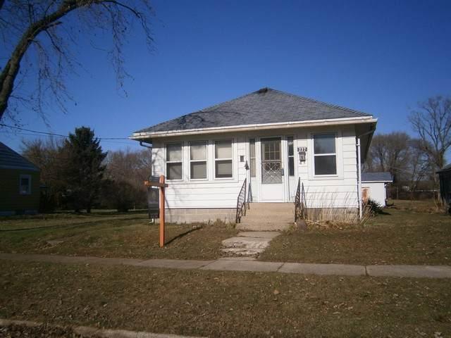227 E State St, Janesville, WI 53546 (#1872702) :: Nicole Charles & Associates, Inc.