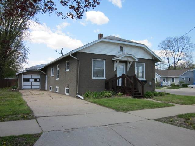 1701 1st Center Ave, Brodhead, WI 53520 (#1873878) :: Nicole Charles & Associates, Inc.