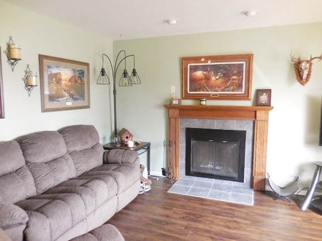 912 Rock Ave, Waupun, WI 53963 (#1880620) :: Nicole Charles & Associates, Inc.