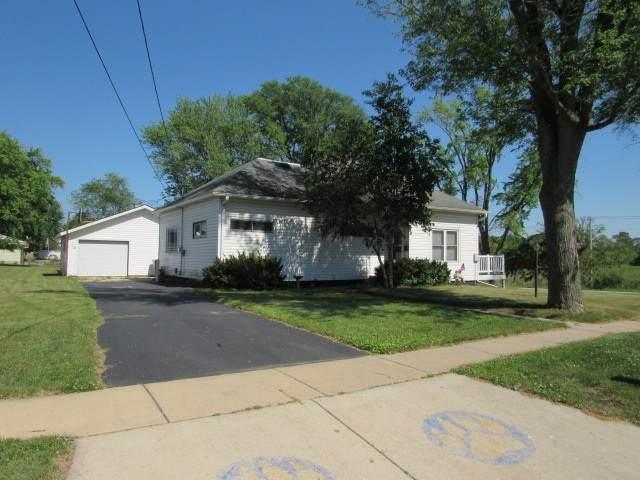 118 Wisconsin St, Pardeeville, WI 53954 (#1886068) :: Nicole Charles & Associates, Inc.