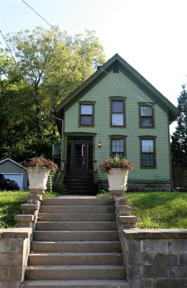 567 S Main St, Janesville, WI 53545 (#1891677) :: Nicole Charles & Associates, Inc.