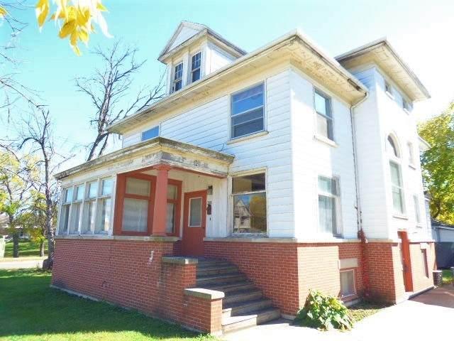 308 W Grand Ave, Beloit, WI 53511 (#1893300) :: HomeTeam4u