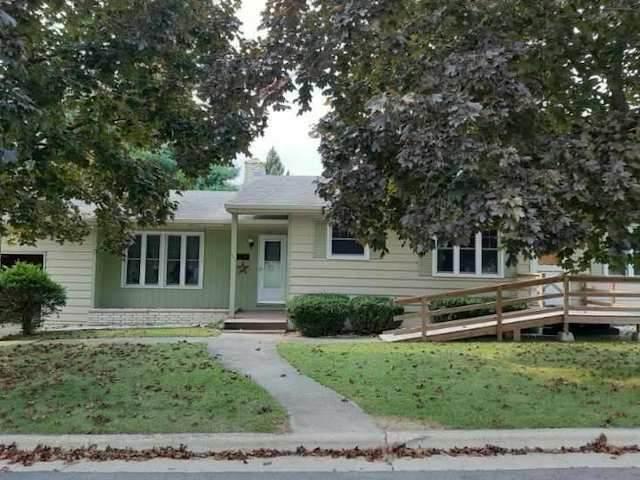 307 S 5th Ave, Albany, WI 53502 (#1894451) :: HomeTeam4u