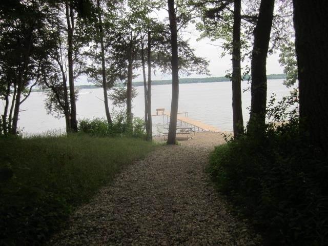146 W Lake Park Place, Lake Mills, WI 53551 (#1912740) :: RE/MAX Shine