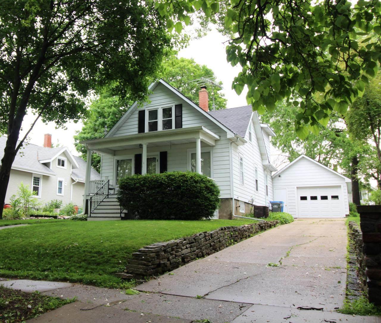 813 Harvey Ave - Photo 1