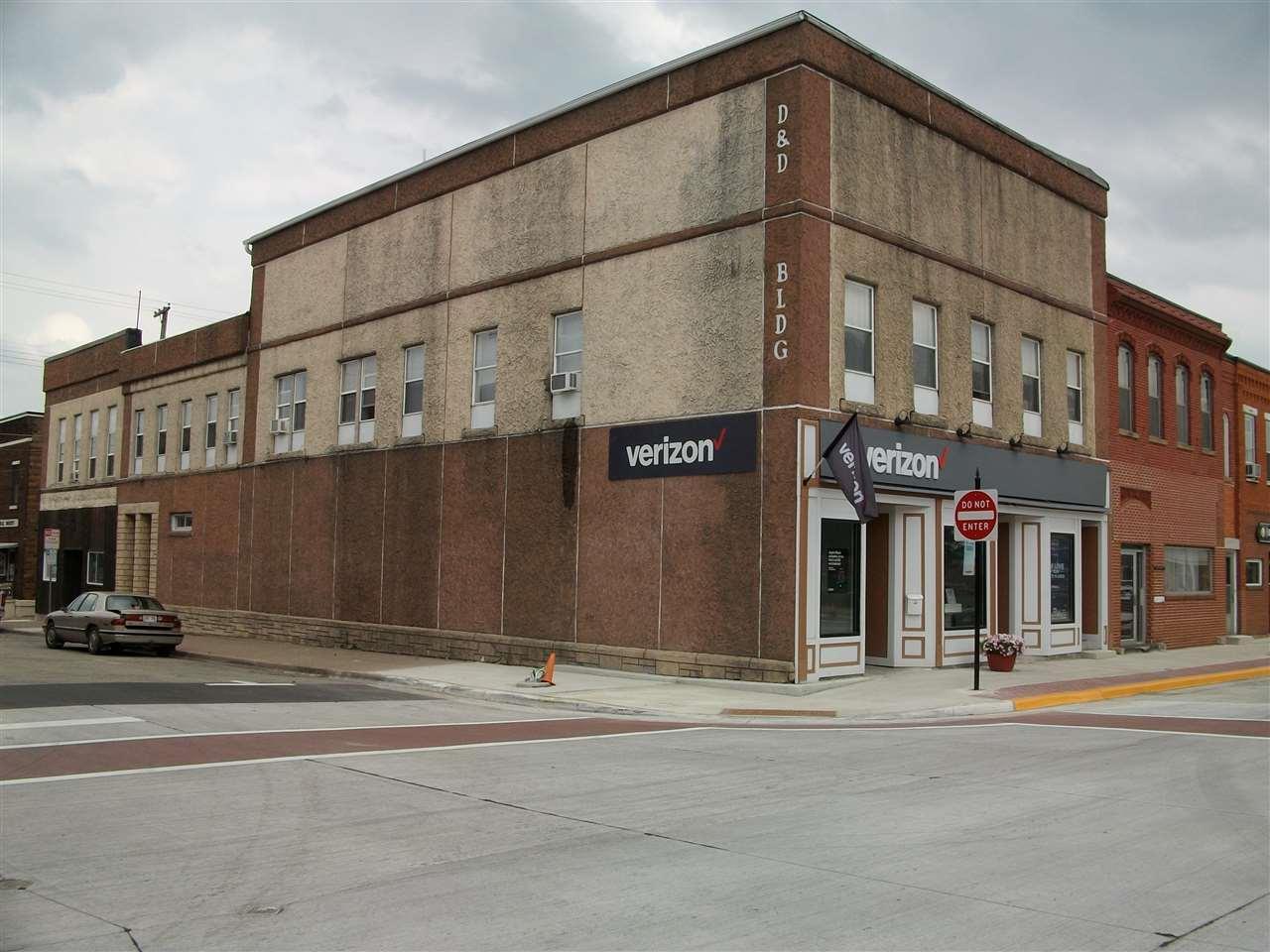 102 Madison St - Photo 1