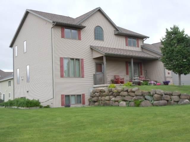 1000 Glen View Ct, Mount Horeb, WI 53572 (#1884078) :: Nicole Charles & Associates, Inc.