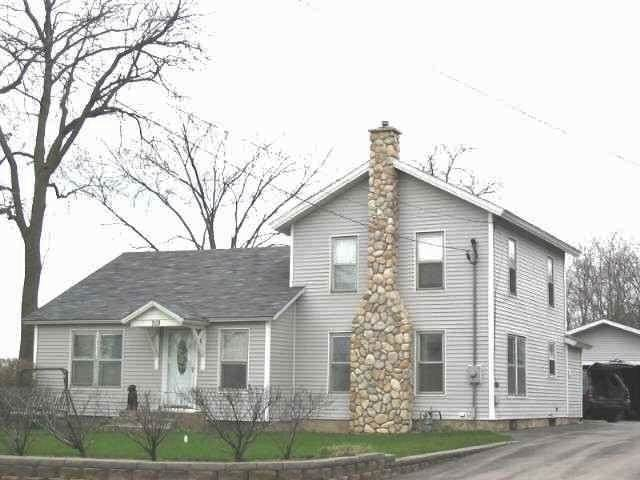 519 Church St, Clinton, WI 53525 (#1909131) :: HomeTeam4u
