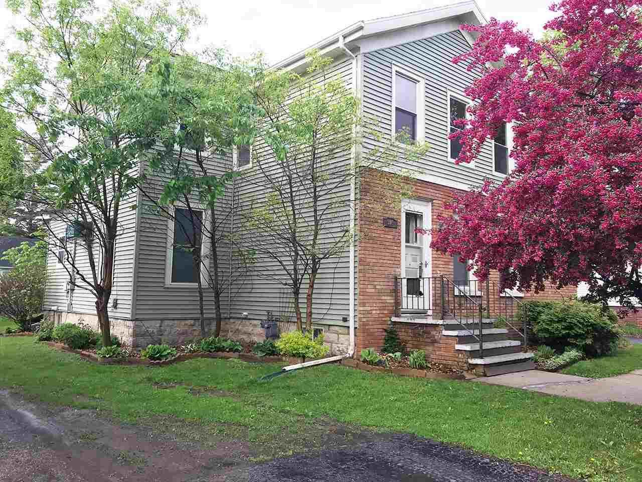 305 Park Ave - Photo 1