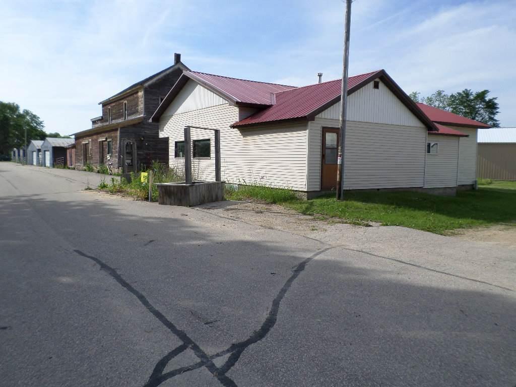 113 North Railroad St - Photo 1