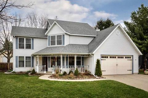 843 Devonshire Rd, Stoughton, WI 53589 (#1851444) :: Nicole Charles & Associates, Inc.