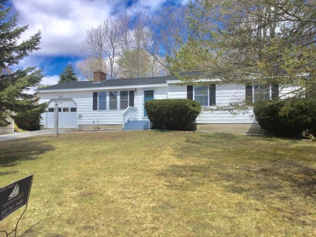 4 Meadow Drive, Kennebunk, ME 04043 (MLS #1410470) :: Your Real Estate Team at Keller Williams