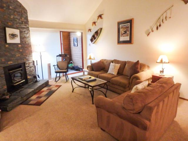865 Majestic Pines Dr. #306, Mammoth Lakes, CA 93546 (MLS #180255) :: Rebecca Garrett with Mammoth Realty Group