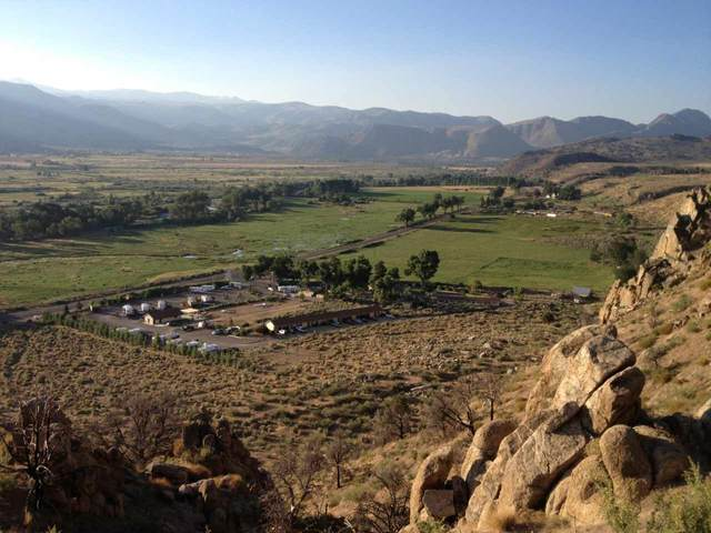 Bluffs Us Hwy 395, Coleville, CA 96107 (MLS #200233) :: Mammoth Realty Group