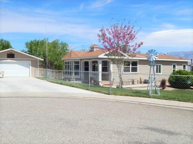 226 Agape Circle, Bishop, CA 93514 (MLS #180296) :: Rebecca Garrett with Mammoth Realty Group