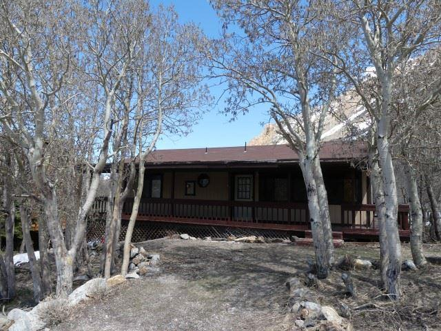 136 Manzanita Road, Bishop, CA 93514 (MLS #190274) :: Mammoth Realty Group