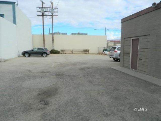 611 W Line St, Bishop, CA 93514 (MLS #210522) :: Mammoth Realty Group