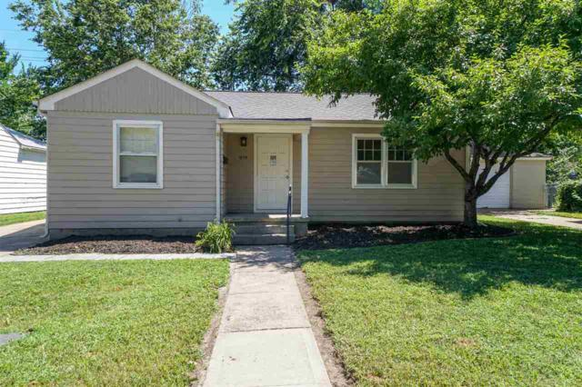1839 Hunting Avenue, Manhattan, KS 66502 (MLS #20192014) :: Jolene Roberts