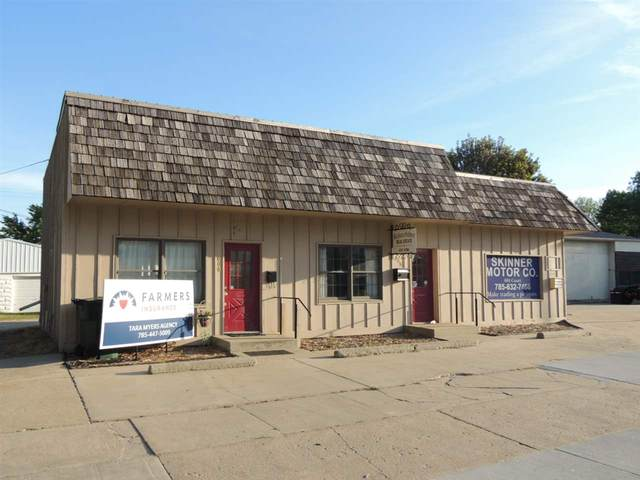 602 Court Street, Clay Center, KS 67432 (MLS #20201546) :: Stone & Story Real Estate Group