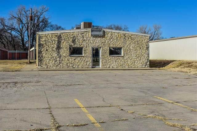 384 Grant Avenue, Junction City, KS 66441 (MLS #20210527) :: Stone & Story Real Estate Group