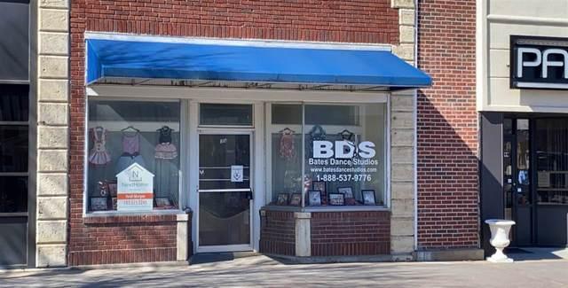 818 N Washington Street, Junction City, KS 66441 (MLS #20210729) :: Stone & Story Real Estate Group
