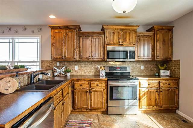 721 Loma Ridge Circle, Manhattan, KS 66503 (MLS #20210946) :: Stone & Story Real Estate Group