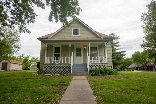 807 Hickory Street, Wakefield, KS 67487 (MLS #20211496) :: Stone & Story Real Estate Group