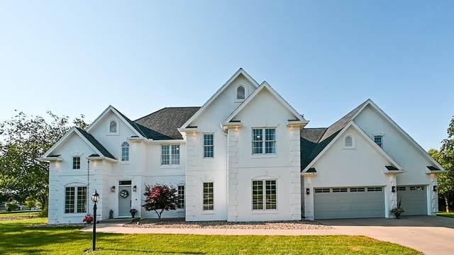 3701 SW Ashworth Court, Topeka, KS 66610 (MLS #20211988) :: Stone & Story Real Estate Group