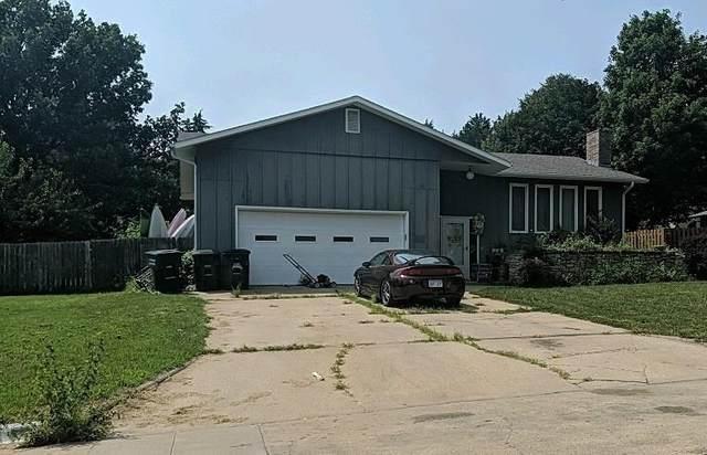 1727 Cedar Crest Drive, Manhattan, KS 66503 (MLS #20211693) :: Stone & Story Real Estate Group