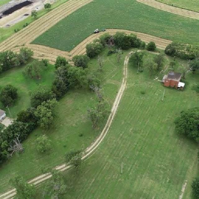 2314 N Buckeye, Abilene, KS 67410 (MLS #20201083) :: Stone & Story Real Estate Group