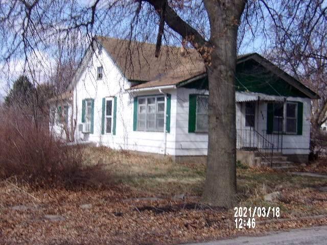 400 Park, Greenleaf, KS 66943 (MLS #20210920) :: Stone & Story Real Estate Group