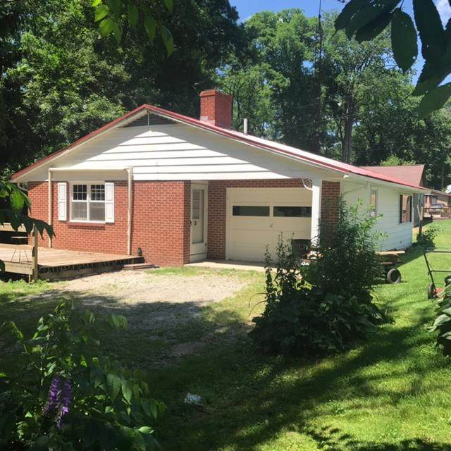 605 Lakeview, Ashland, OH 44805 (MLS #9047511) :: The Holden Agency