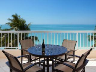 990 Cape Marco Drive #407, Marco Island, FL 34145 (MLS #2170857) :: Clausen Properties, Inc.