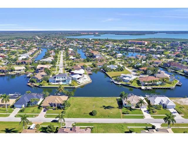 135 Gulfport Court #3, Marco Island, FL 34145 (MLS #2200355) :: Clausen Properties, Inc.
