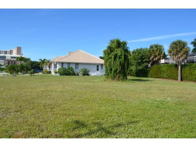 950 Dolphin Court #7, Marco Island, FL 34145 (MLS #2201264) :: Clausen Properties, Inc.