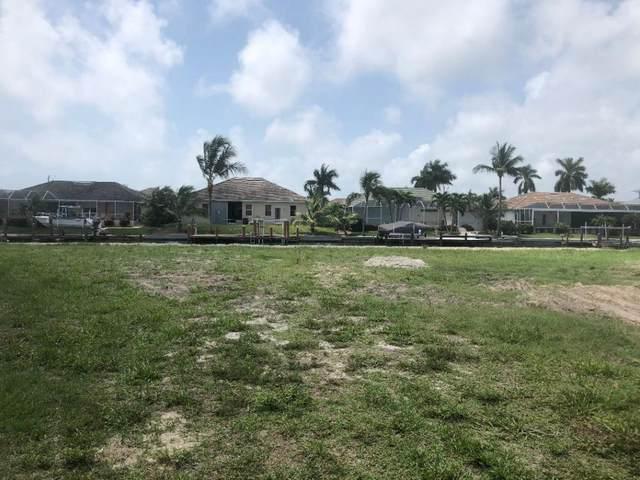 240 Fiji Court #7, Marco Island, FL 34145 (MLS #2201272) :: Clausen Properties, Inc.