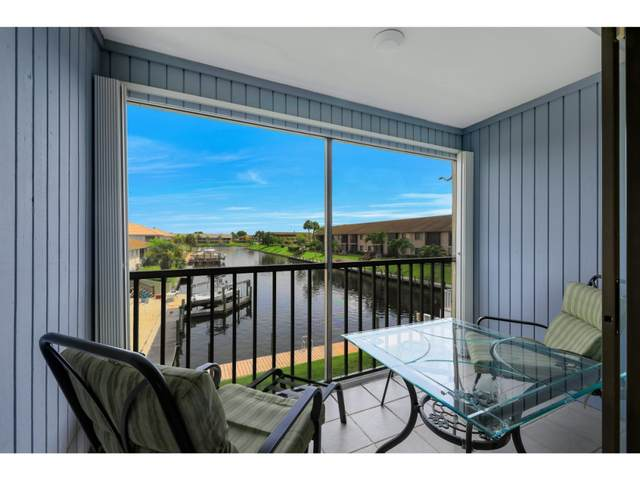3817 Country Club Boulevard #7, Cape Coral, FL 33904 (MLS #2201649) :: Clausen Properties, Inc.