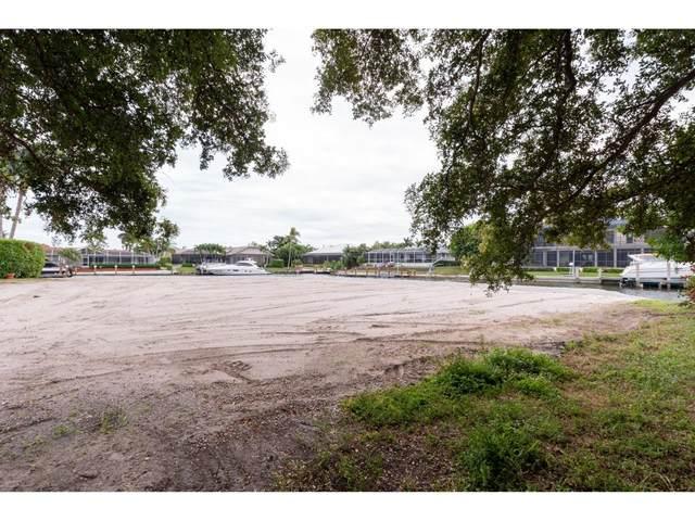 426 Tarpon Court #2, Marco Island, FL 34145 (MLS #2201903) :: Clausen Properties, Inc.