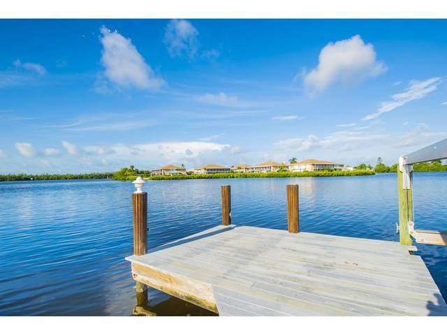 418 Panay Avenue, Naples, FL 34113 (MLS #2202073) :: Clausen Properties, Inc.