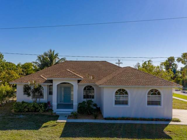 30 Tahiti Road, Marco Island, FL 34145 (MLS #2210125) :: Clausen Properties, Inc.