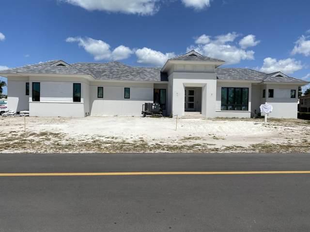950 Bonita Court, Marco Island, FL 34145 (MLS #2211146) :: Clausen Properties, Inc.