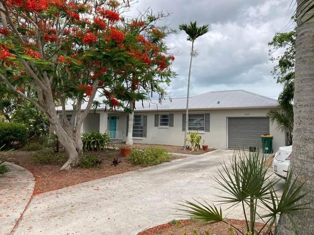 839 Dandelion Court, Marco Island, FL 34145 (MLS #2215127) :: Clausen Properties, Inc.