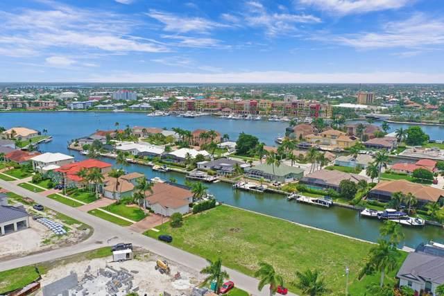 625 Crescent Street, Marco Island, FL 34145 (MLS #2215295) :: Clausen Properties, Inc.