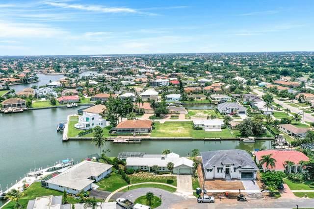 1359 Waikiki Court, Marco Island, FL 34145 (MLS #2215608) :: Clausen Properties, Inc.