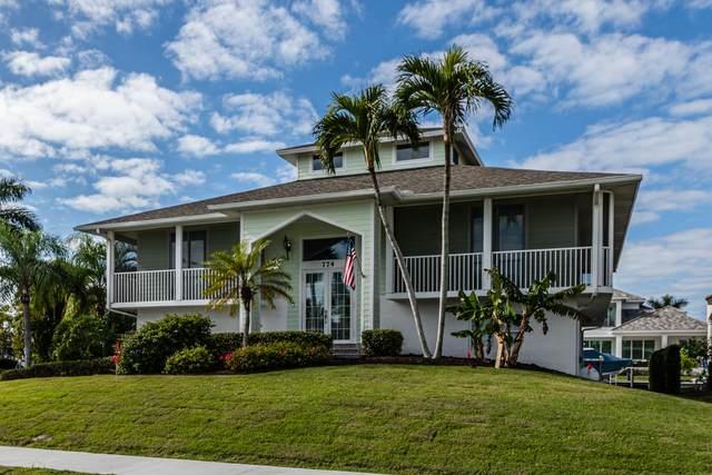 774 Pelican Court, Marco Island, FL 34145 (MLS #2215697) :: Clausen Properties, Inc.
