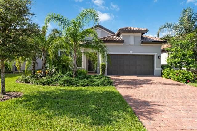 2763 Aviamar Circle, Naples, FL 34114 (MLS #2215725) :: Clausen Properties, Inc.