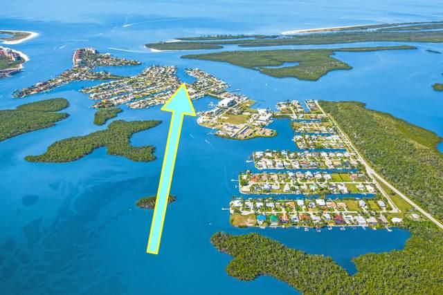 140 Capri Boulevard, Naples, FL 34113 (MLS #2215822) :: Clausen Properties, Inc.