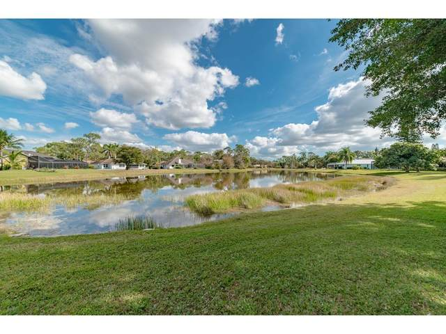 2206 Kings Lakes, Naples, FL 34112 (MLS #2210526) :: Clausen Properties, Inc.