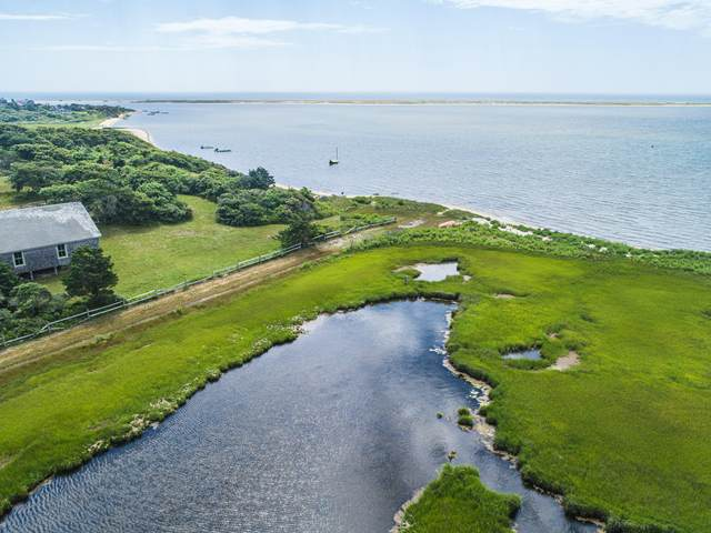 7 Sand Plain Way, Edgartown, MA 02539 (MLS #21804626) :: Cape & Islands Realty Advisors