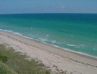 9400 S Ocean Drive #805, Jensen Beach, FL 34957 (#M20005514) :: Keller Williams